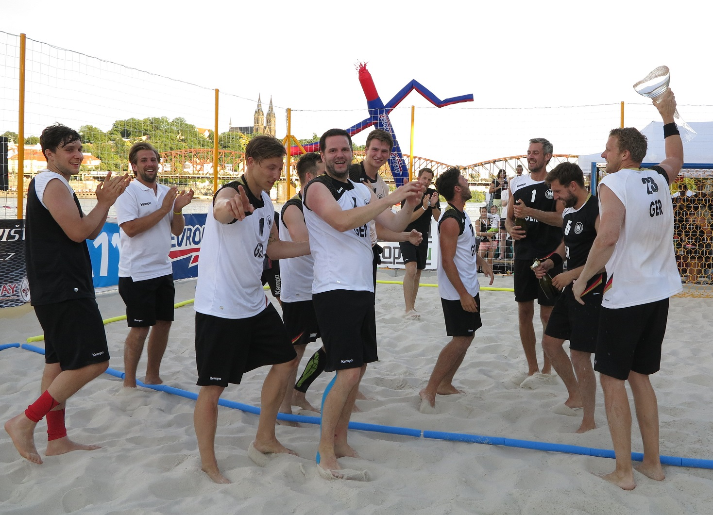 skoncil-turnaj-prague-open-beach-handball-international-tournament-2016