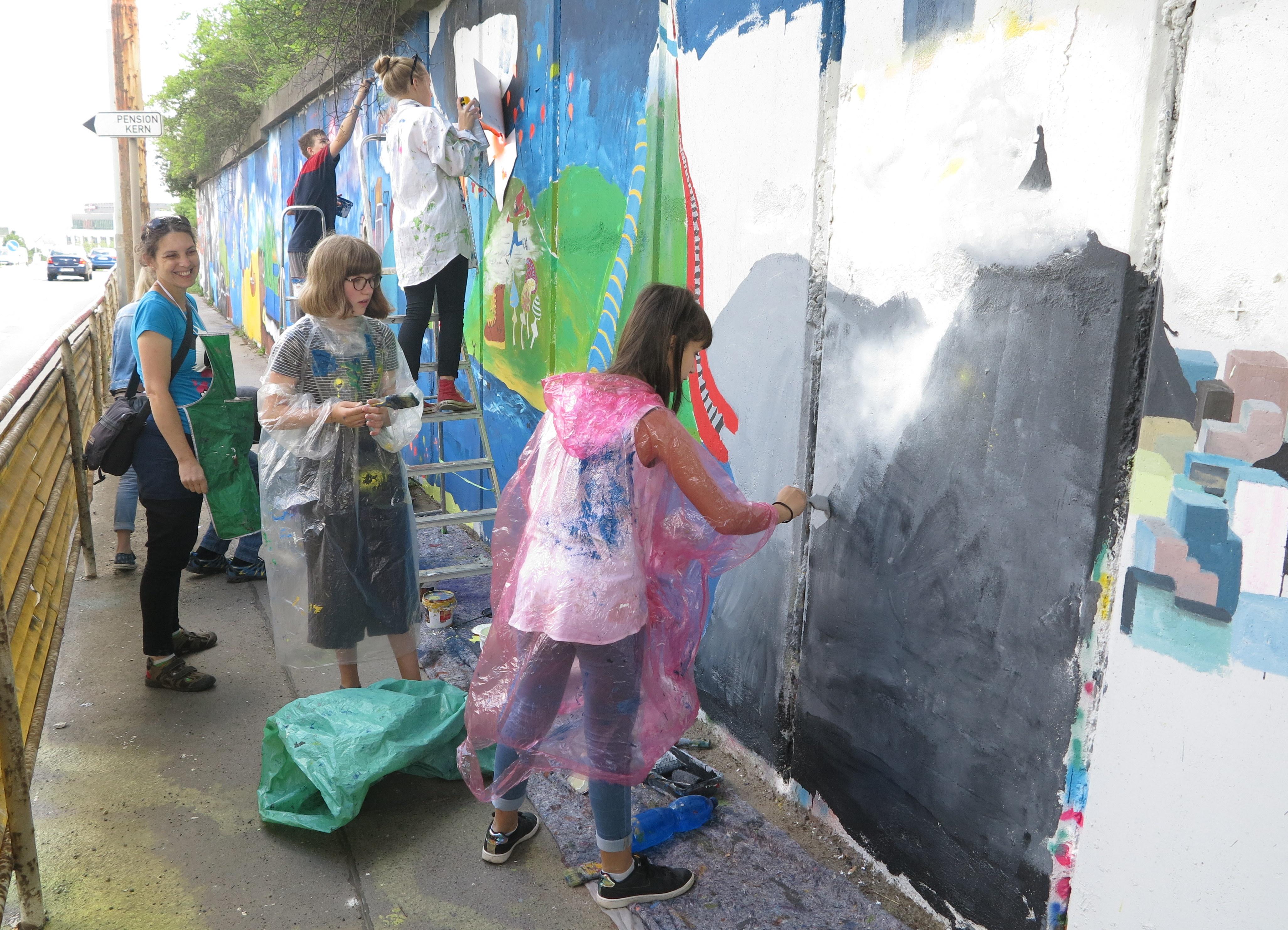 malovani-zdi-v-radlicke-vesmirna-skola-a-prurez-svety