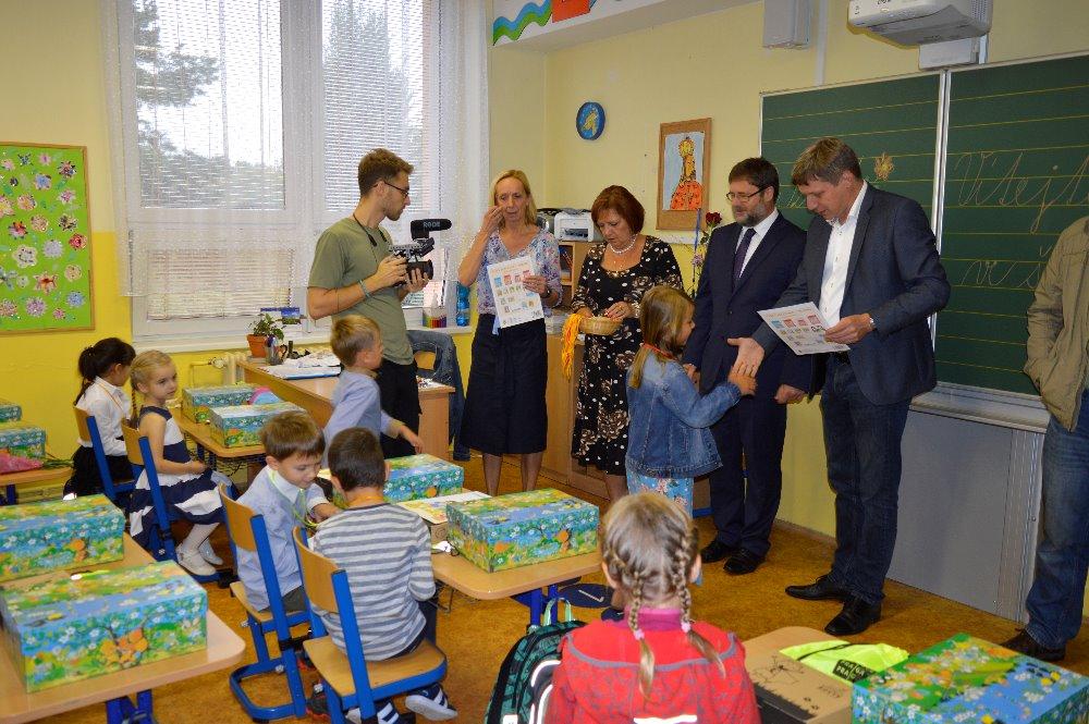 prvni-den-zakladni-skole-podbelohorska