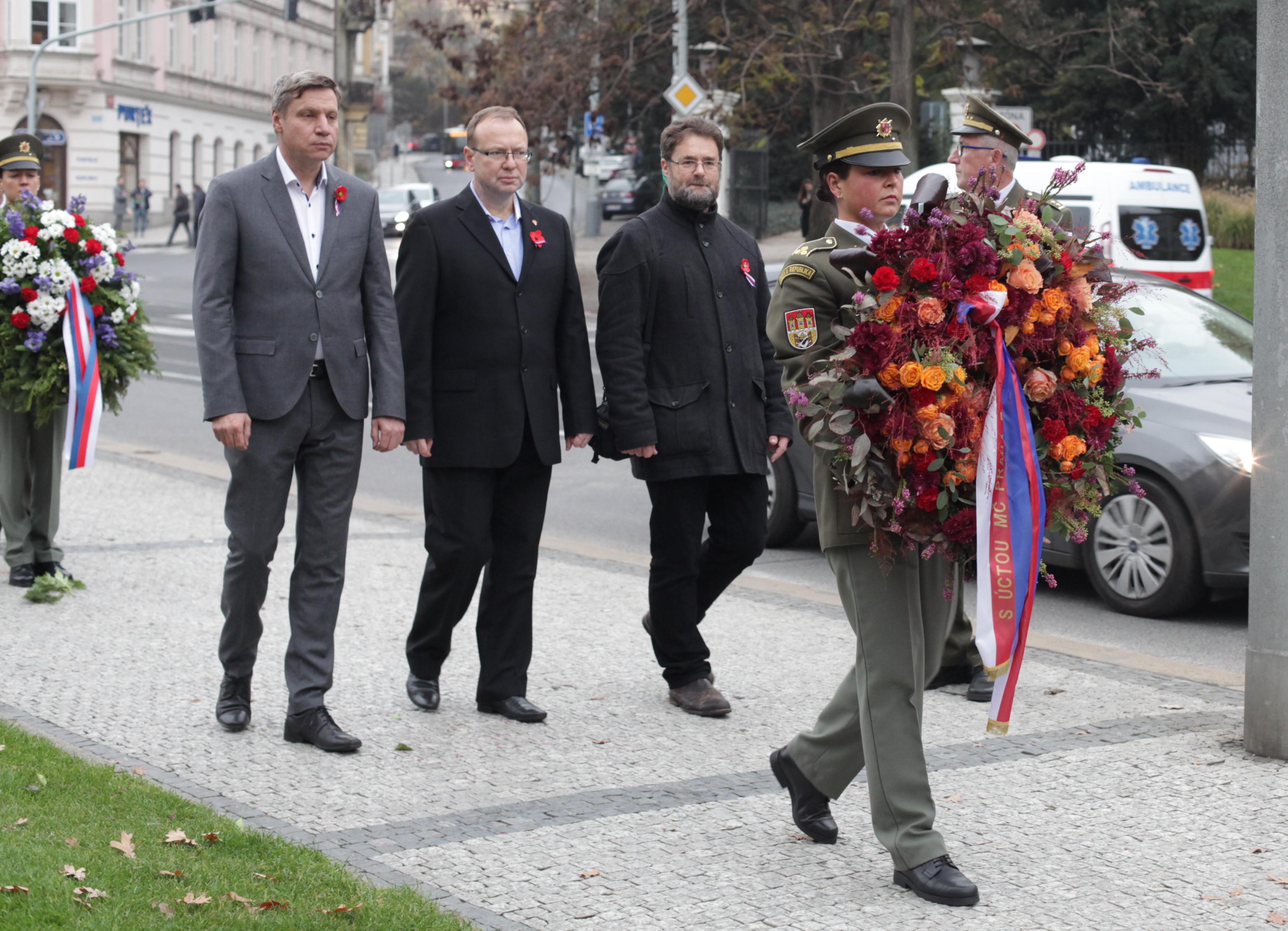 praha-5-vzpominkova-akce-ke-dni-valecnych-veteranu-a-obeti-valek