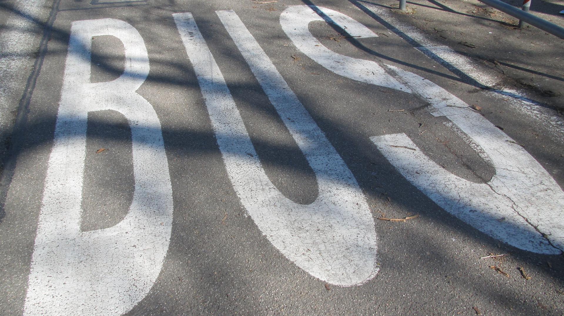 autobusova-zastavka-svandovo-divadlo-bude-docasne-premistena