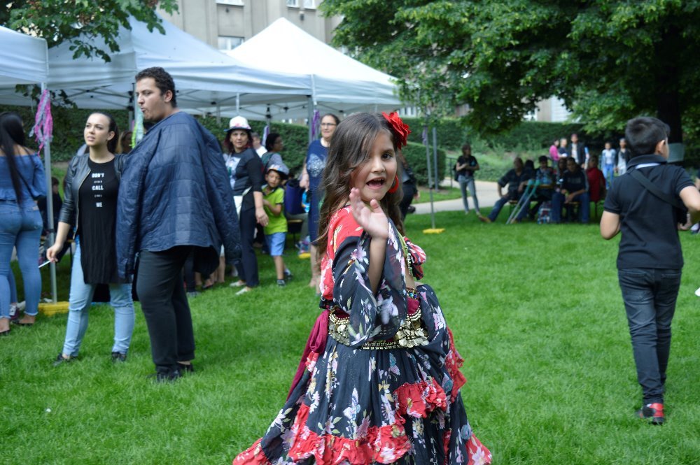 nejvetsi-svetovy-romsky-festival-khamoro-se-po-roce-vratil-do-portheimky