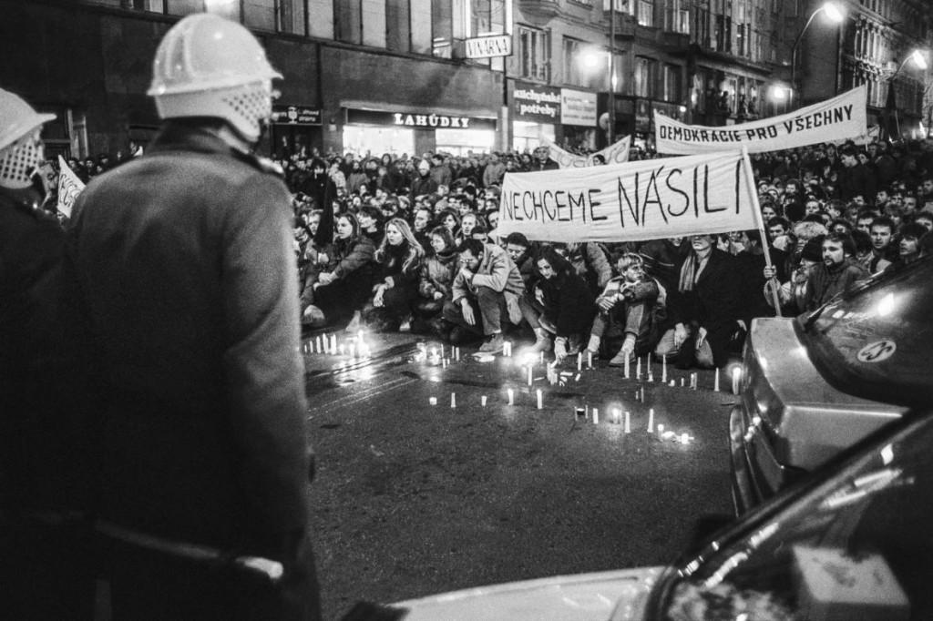 diky-ze-muzem-pripomente-si-s-nami-listopadove-udalosti-roku-1989