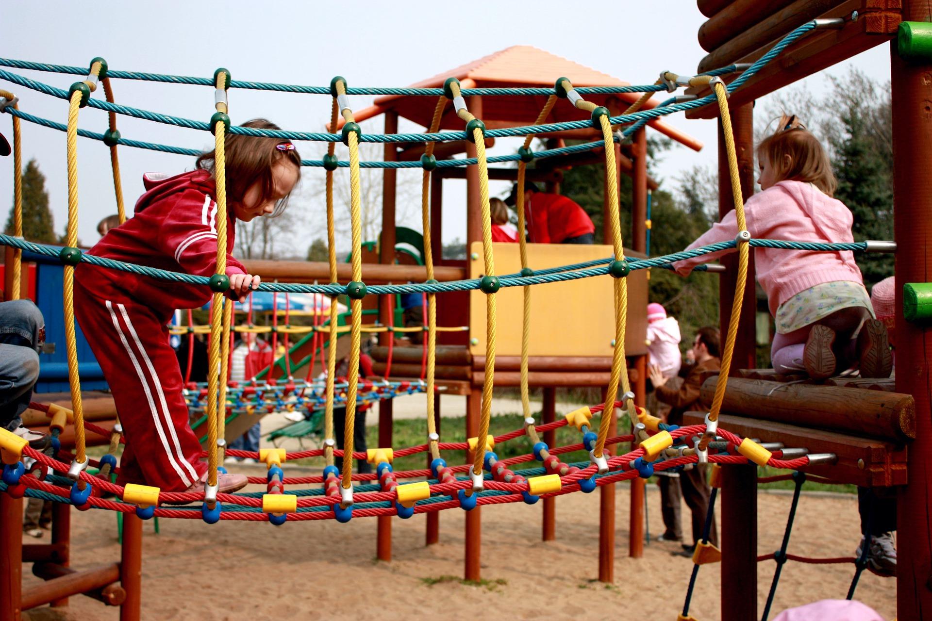verejna-prostranstvi-i-detska-hriste-projdou-dukladnou-dezinfekci