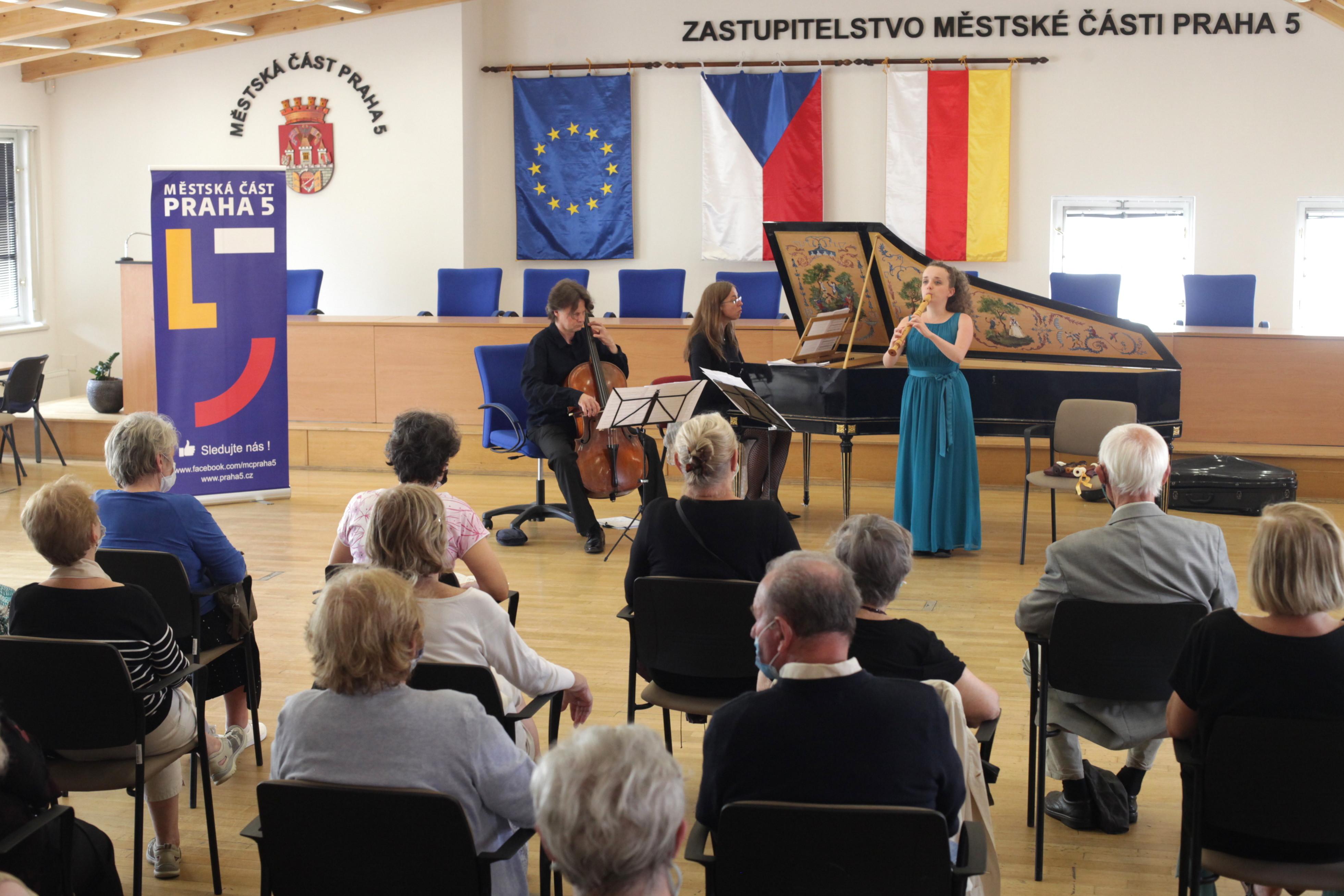 mc-praha-5-obnovila-koncertni-cyklus-andelska-matine-zveme-na-dva-koncerty-souboru-cinque-archi